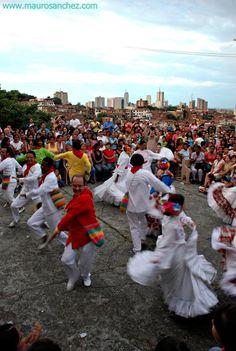 Cali colombia FOLKLORE DE LA REGION Latin America, South America, Colombian People, Cali Colombia, Oh The Places You'll Go, Homeland, Party Time, Exploring, Dolores Park