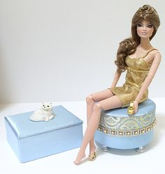 Creative ideas for furniture - on Doll Divas - Diorama Portfolio