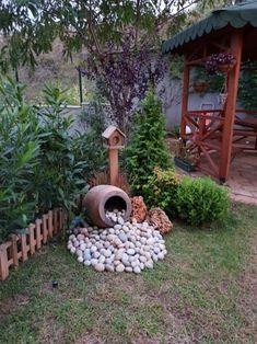 28 stunning spring garden ideas for front yard and backyard landscaping 00023 River Rock Landscaping, Small Front Yard Landscaping, Succulent Landscaping, Backyard Landscaping, Landscaping Ideas, Corner Landscaping, Backyard Drainage, Garden Yard Ideas, Backyard Garden Design