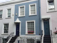 The West & Southwest London Guide Terrace House Exterior, Townhouse Exterior, Victorian Terrace House, Cottage Exterior, House Paint Exterior, Exterior House Colors, Victorian Homes Exterior, London House, London City