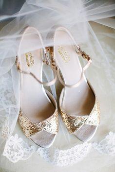 Gold sparkles: http://www.stylemepretty.com/texas-weddings/dallas/2015/06/15/elegant-downtown-dallas-ballroom-wedding/ | Photography: Anna Routh - http://annarouthphoto.com/