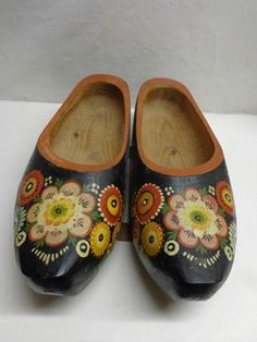 Vintage Pair of Decorative DUTCH WOODEN SHOES Hand Painted
