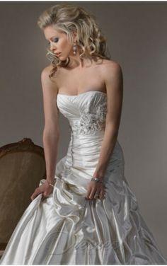Stylish Ivory A-line Strapless Corset Closure Floor-length Wedding Dress Balloon Train With Handmade Flowers 00195