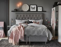 The 10 best ideas for a gray bedroom in 2019 - Schlafzimmer Grey Bedroom With Pop Of Color, Home Bedroom, Bedroom Interior, Home Decor, Living Room Interior, Bedroom Inspirations, Apartment Decor, Room Decor, Interior Design