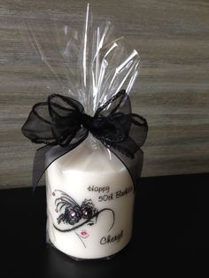 Diy Gifts, Handmade Gifts, Diy Candles Design, Henna Candles, Candle Art, Candle Maker, Personalized Candles, Homemade Candles, Beaded Christmas Ornaments