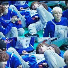 Youngjae of and V of Bts so precious Bts Memes, Funny Memes, Got7 Funny, Got7 Meme, Kookie Bts, Jimin, Park Ji Min, Youngjae, Got7 Jackson