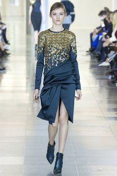 Antonio Berardi Fall 2015 RTW Runway - Vogue | Gold with summer-midnight-sky... | #FindYourCool | Art . Style . Life