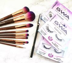 Who doesn't love new brushes & fluttery lashes to play with ✨ Thank you @photonyaa for your pic ✨ www.girlswithattitude.co.uk ✨ #GWALondon