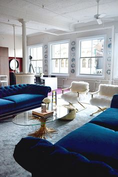 NYC loft Tamra Sanford living room fuzzy chairs blue velvet sofas windows How freaking gorgeous?Soho NYC loft Tamra Sanford living room fuzzy chairs blue velvet sofas windows How freaking gorgeous? Decor, Living Room Inspiration, Home, Home And Living, Contemporary House, Furniture, Interior Design, House Interior, Home Deco