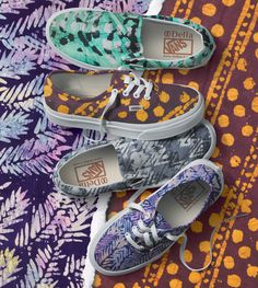 Vans x Della collab is in stores now! The line features artistic interpretations of Vans signature prints - leopard, checkerboard, and palm.