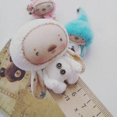«Привет :-) Познакомтесь, Ми Кро (полное Мини Кроля). Малыш ростом 5.5 см. Это для куклы такой дружочек. А куколка для одного чудесного человечка, которого…»