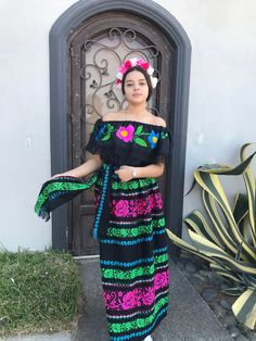 Mexican Theme Dresses, Mexican Bridesmaid Dresses, Mexican Outfit, Traditional Mexican Dress, Traditional Dresses, How To Make Clothes, Making Clothes, Mexico Dress, Mature Fashion