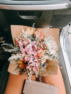 What an incredibly beautiful bouquet of flowers! God's creations are stunning! My Flower, Pretty Flowers, Wild Flowers, Floral Flowers, Bouquet Flowers, Florals, Vintage Flowers, Tulip Bouquet, Bunch Of Flowers