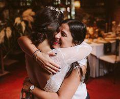 """Wedding Planner Bilbao en Instagram: """"Nos faltan tantos abrazos con nuestras berezinovias bonitas, no nos acabamos de acostumbrar al saludito con el codo ❤️ Sabemos que bajo la…"""""""