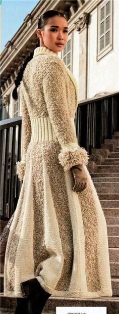 Стильное длинное пальто из шерстяной пряжи и пряжи букле, вязаное спицами