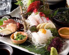 刺身 盛り付け Sashimi, Healthy Cooking, Seafood Recipes, Aesthetics, Cheese, Table Decorations, Drink, Beverage, Ocean Perch Recipes