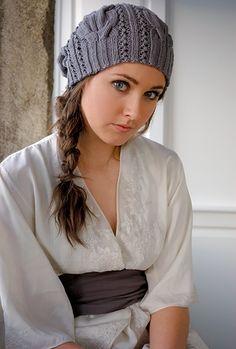 """Вязаная шапка """"Звезда рока"""" от Kim Hargreaves"""
