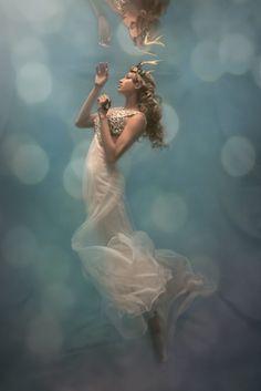 ผลงาน 'ภาพถ่ายพอร์ตเทรตใต้น้ำ' สุดงดงาม โดย Cheryl Walsh (13)