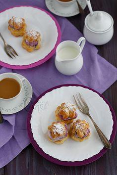 cream puffs with elderberry filling / almond corner