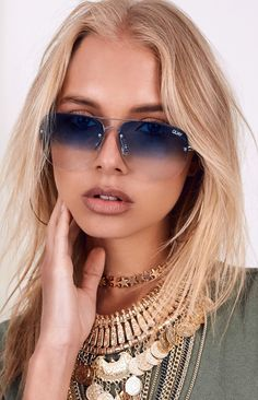 203f782e7f48a Quay Muse Fade Sunglasses Blue Specs