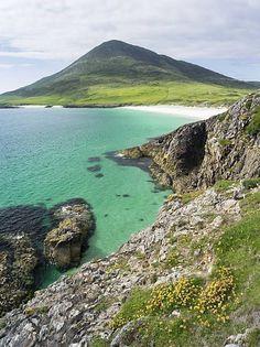 Isle of Harris, Scotland UK Beautiful World, Beautiful Places, Isle Of Harris, England And Scotland, Scotland Uk, Outer Hebrides, Scottish Islands, Photos Voyages, Scotland Travel