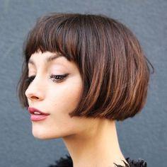 Más de 20 hermosos peinados cortos con flequillo