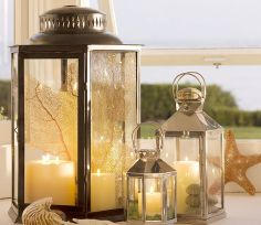 I love lamp. I mean, candles in lanterns.