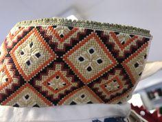 Hardanger Embroidery, Ornament, Blanket, Crochet, Pattern, Crafts, Hemline, Decoration, Manualidades