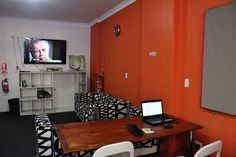 Sydney Backpackers Lounge 5