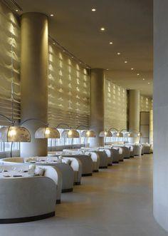 Armani Hotel Dubai in Downtown Dubai is a luxury design hotel housed in Burj Khalifa. Armani Hotel Dubai offers a spa, many restaurants + stylish rooms & suites. Dubai Hotel, Dubai Uae, Design Hotel, Restaurant Design, Modern Restaurant, Design Design, Design Trends, Luxury Restaurant, Hotel Interiors