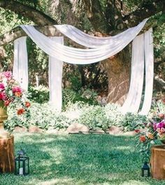 27 Romantic Wedding Tree Backdrops And Arches #romantic #wedding #tree #backdrops #arches