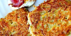 Emily's Famous Hash Browns - good old fashioned restaurant-style hash browns. Perfect with hot pepper sauce and ketchup! Oeuf Bacon, Great Recipes, Favorite Recipes, Popular Recipes, Recipe Ideas, Easy Recipes, Breakfast Potatoes, Breakfast Hash, Breakfast Casserole
