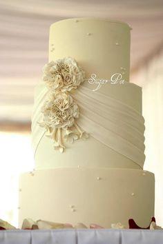 Pleats & flowers wedding cake