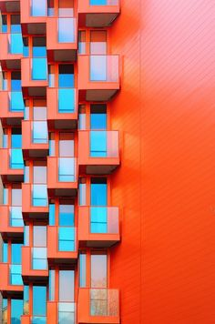 Complementary Color: This is an example of complementary architecture because the floor of the balcony is orange. The windows are a blue. it is complementary because both colors are on the opposite sides of the color wheel. Art Et Architecture, Amazing Architecture, Architecture Details, Orange Architecture, Contemporary Architecture, Color Composition, Contrast Color, Home Design, Design Art