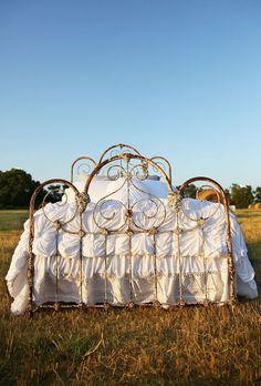 Search results for: 'the lazybones jersey comforter light colors' - Junk GYpSy co. Antique Iron Beds, Wrought Iron Beds, Junk Gypsy Bedroom, Gypsy Room, Boudoir, French Country Bedrooms, Country Teen Bedroom, Farmhouse Bedrooms, Dream Bedroom