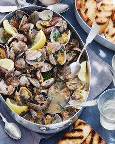 Steamed clams with garlic and chives make for a perfect dinner on the beach.