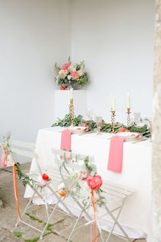 Pink and green tablescape | Claire Graham Photography  | see more on: http://burnettsboards.com/2015/04/coral-peach-wedding-editorial/