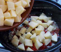 Pui cu cartofi si rosii la cuptor - Bunătăți din bucătăria Gicuței Fruit Salad, Cantaloupe, Food, Essen, Fruit Salads, Yemek, Meals