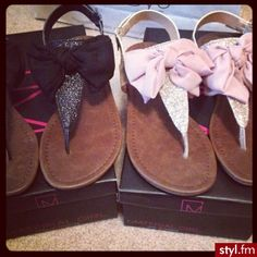bow sandals #want!