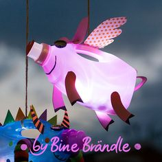 Craft Idea for Kids Detergent packaging will turn into a fun bright lantern pig. -Bine Brändle DIY Do it yourself howto Recycled Crafts, Diy And Crafts, Diy For Kids, Crafts For Kids, Lantern Crafts, Headboard Decor, Robots For Kids, Time Kids, Christmas Crafts