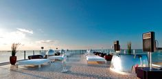 PLAN PARA HEDONISTAS - Vondom  Espectaculares vistas! We LOVE!!!