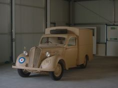 WW2 Royal Air Force Vehicles Monument Men, George Cross, Royal Air Force, Old Trucks, Military History, Jeeps, Military Vehicles, Ww2, Hot Rods