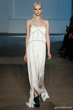New York Fashion Week: Derek Lam Fall/Winter 2014 - http://qpmodels.com/interesting/5985-new-york-fashion-week-derek-lam-fall-winter-2014.html