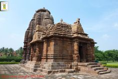 Rajarani Temple is an 11th-century temple located in Bhubaneswar & famous for its sculpted figures.
