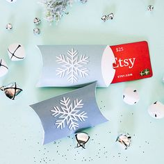 BF_holidayDIYs_pillowbox