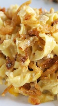 French Onion Chicken Noodle Casserole Recipe - egg noodles, french onion dip, cream of chicken soup, cheese, chicken topped with French fried onions - LOVE this casserole! Can make ahead and freezer for later. You can even split it between two foil pans - Chicken Noodle Casserole, Casserole Dishes, Chicken Soup, Chicken Noodles, Pasta Casserole, Rotisserie Chicken, Potato Casserole, Main Dish Casserole Recipes, French Fry Casserole