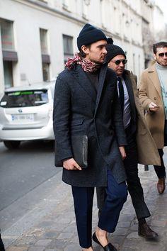 #menswear #mensfashion #scarf #hat #coat #folder #nosocks