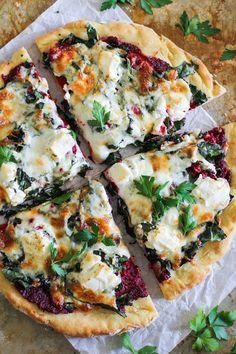 Goats Cheese Flatbread, Goat Cheese Pizza, Beet And Goat Cheese, Flatbread Pizza, Focaccia Pizza, Pesto Pizza, Kale Pizza, Veg Pizza, Gourmet Pizza Recipes