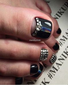 eye catching toe nail art ideas you must try for 2019 summer! Pretty Pedicures, Pretty Toe Nails, Cute Toe Nails, Fancy Nails, Gorgeous Nails, Pedicure Designs, Pedicure Nail Art, Toe Nail Designs, Toe Nail Art