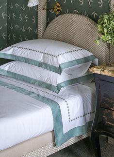 Nancy Stanley Waud Linens on Olasky & Sinsteden Kips Bay guest bedroom beds
